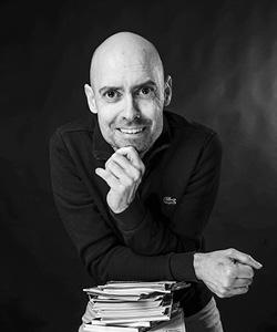 John Præstegaard byder velkommen til forlaget DigTea